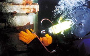 Cygnus Instruments underwater thickness gauge