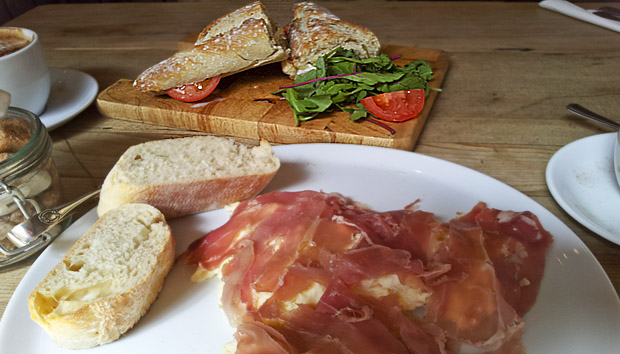 Prosciutto with bread