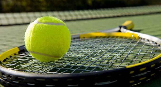 Tennis racket stringing at WImbledon
