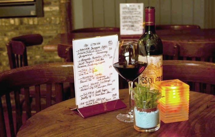 A glass of Bordeaux at Wijnbar Est